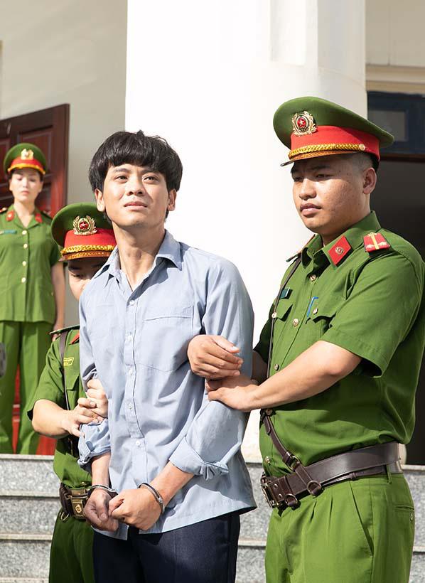 """Sao Mai Huyền Trang """"hoá"""" thành cảnh sát hình sự trong phim ca nhạc """"Nắng lên bên mẹ""""  - Ảnh 2."""