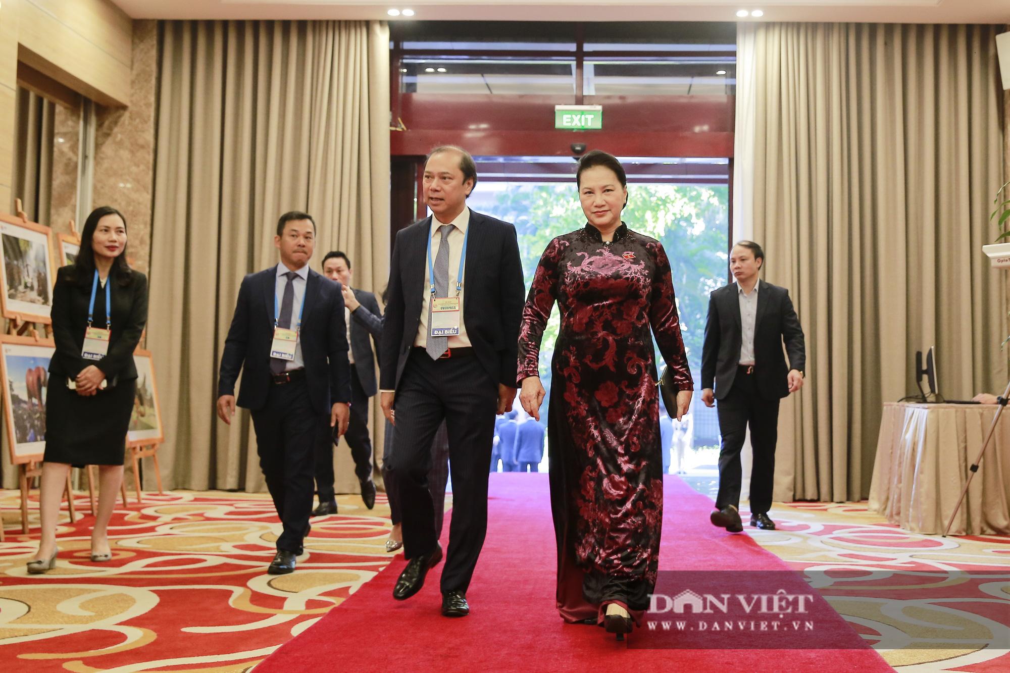 Toàn cảnh Khai mạc Hội nghị Cấp cao ASEAN lần thứ 37 - Ảnh 3.