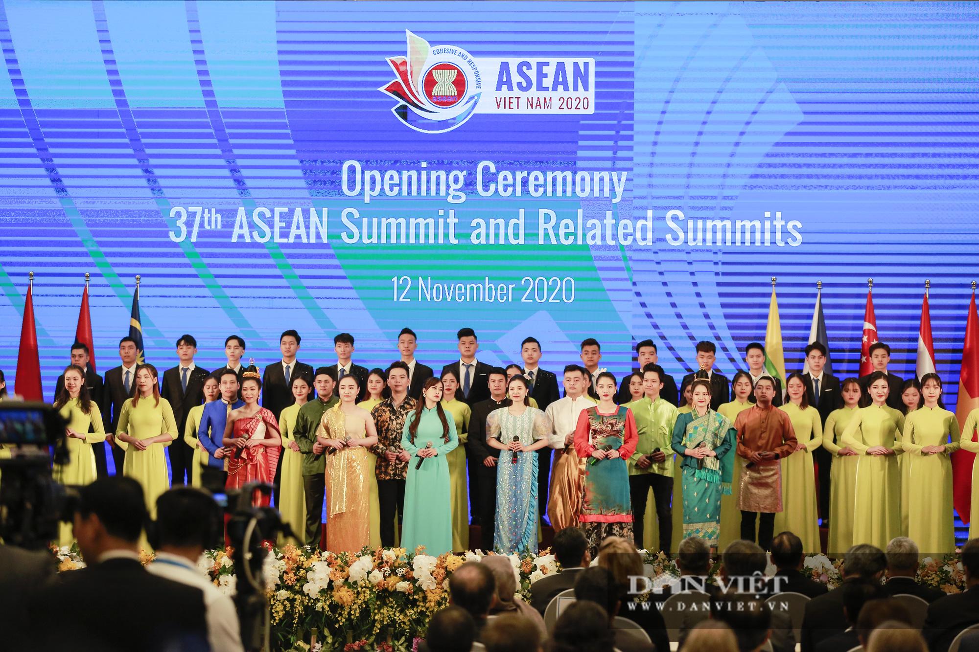 Toàn cảnh Khai mạc Hội nghị Cấp cao ASEAN lần thứ 37 - Ảnh 7.