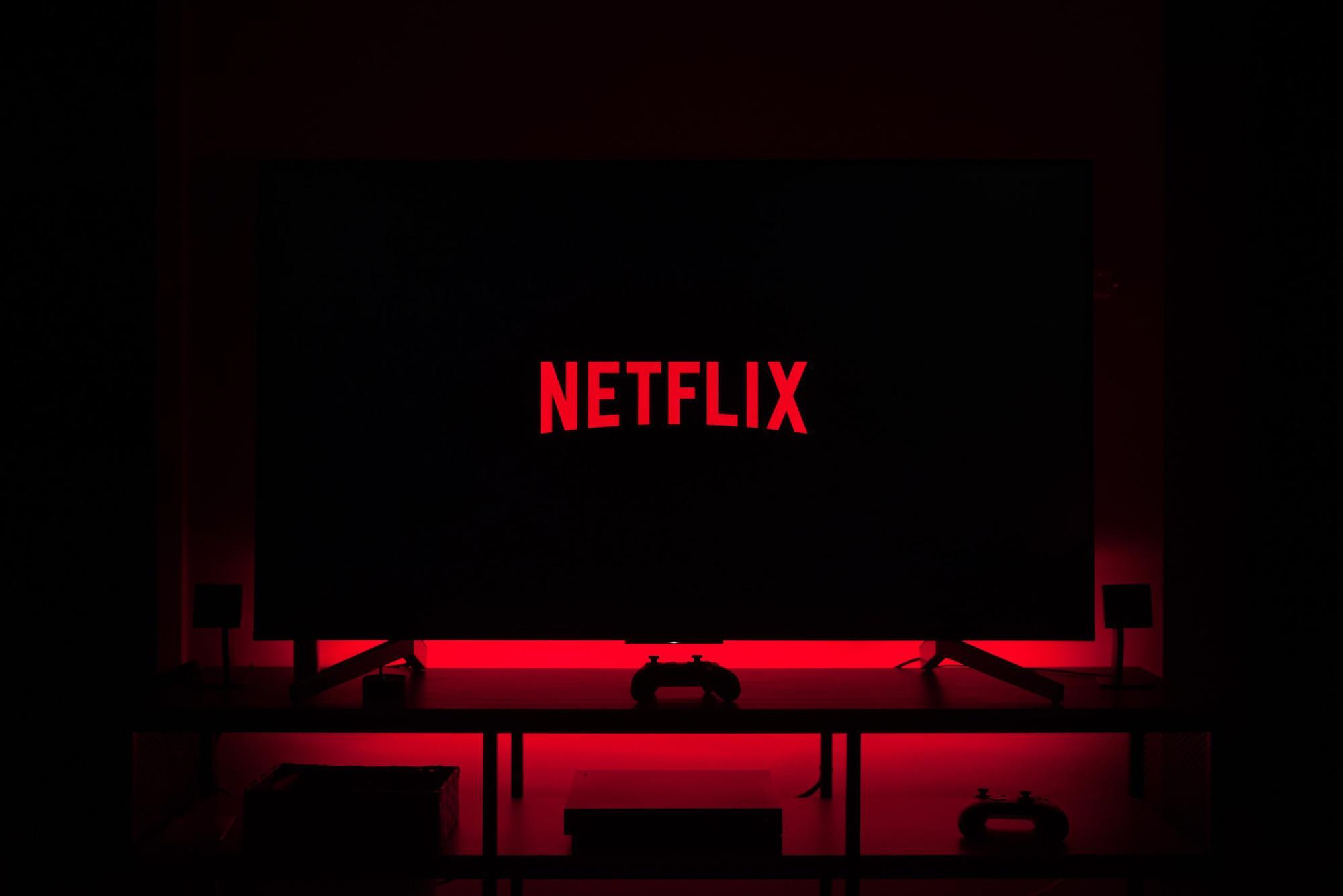 Liệu có thể xử lí vi phạm pháp luật của Netflix - Ảnh 1.