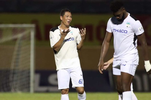 7 cầu thủ gây thất vọng nhất V.League 2020: Điểm tên ngôi sao Việt kiều - Ảnh 7.
