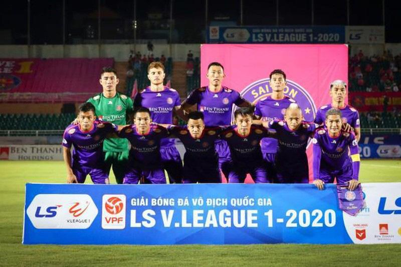 """16 cầu thủ rời Sài Gòn FC tố HLV Vũ Tiến Thành """"giả tạo""""? - Ảnh 1."""