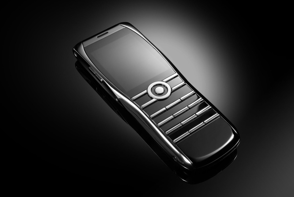 Điện thoại Vertu phiên bản mới, pin dùng gần tuần, giá ngót trăm triệu - Ảnh 1.