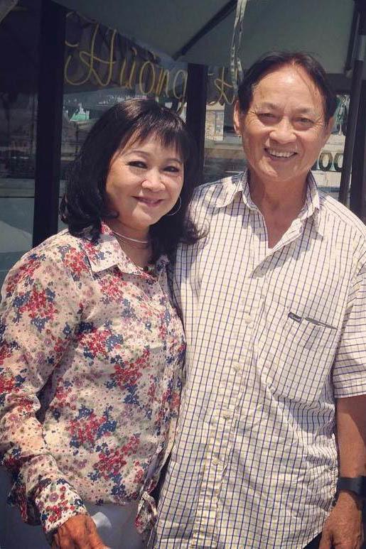 Tuổi 74, danh ca Hoàng Oanh vẫn trẻ đẹp, hạnh phúc bên chồng nhạc sĩ - Ảnh 6.