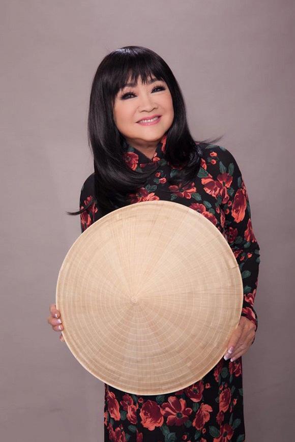 Tuổi 74, danh ca Hoàng Oanh vẫn trẻ đẹp, hạnh phúc bên chồng nhạc sĩ - Ảnh 10.