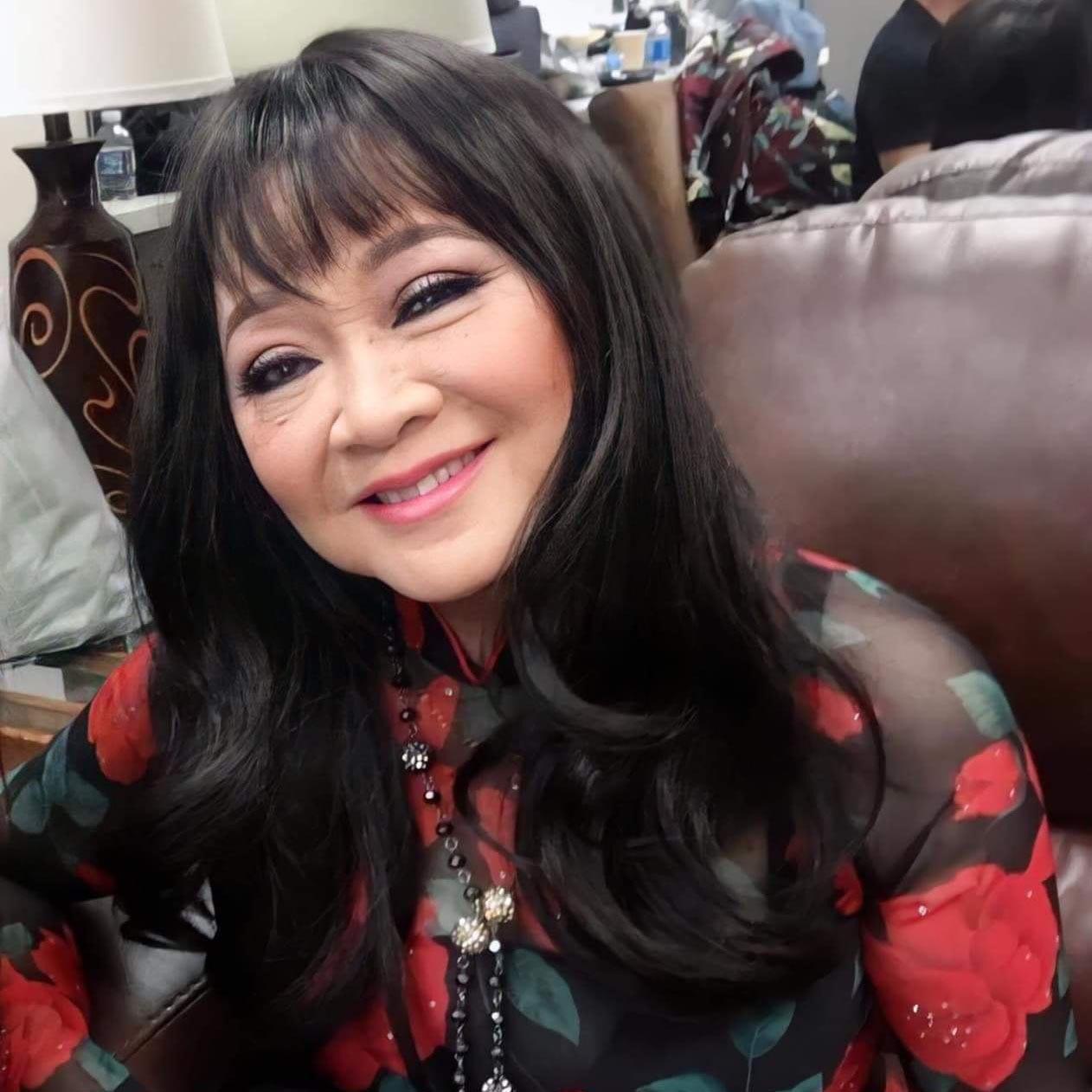 Tuổi 74, danh ca Hoàng Oanh vẫn trẻ đẹp, hạnh phúc bên chồng nhạc sĩ - Ảnh 13.