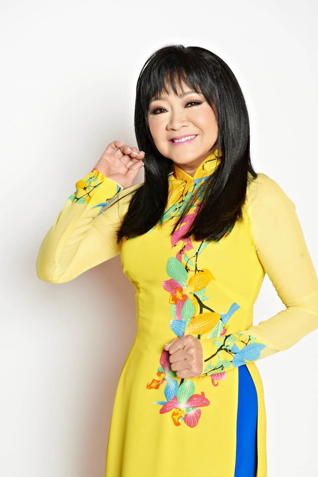 Tuổi 74, danh ca Hoàng Oanh vẫn trẻ đẹp, hạnh phúc bên chồng nhạc sĩ - Ảnh 11.