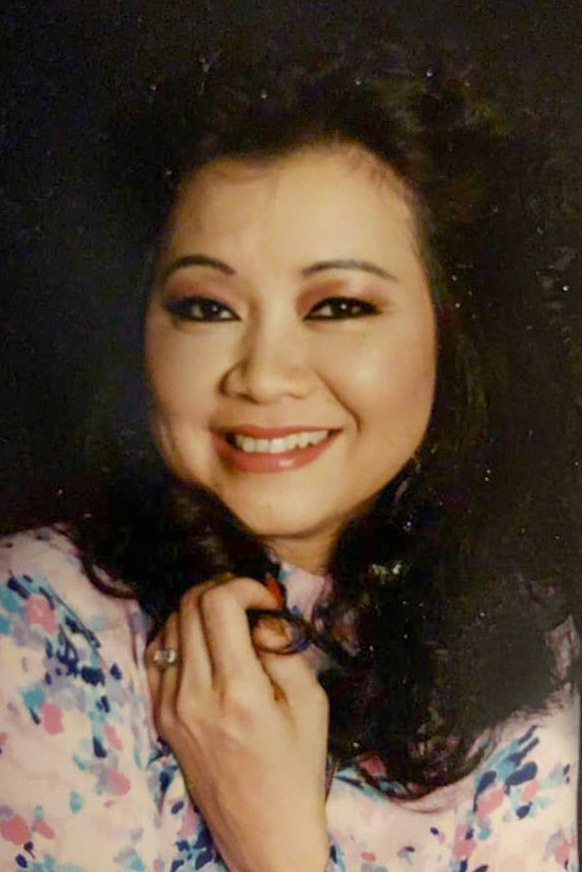Tuổi 74, danh ca Hoàng Oanh vẫn trẻ đẹp, hạnh phúc bên chồng nhạc sĩ - Ảnh 12.