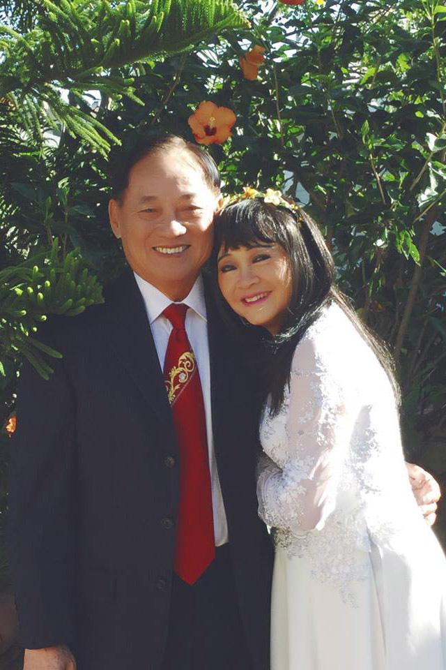 Tuổi 74, danh ca Hoàng Oanh vẫn trẻ đẹp, hạnh phúc bên chồng nhạc sĩ - Ảnh 7.