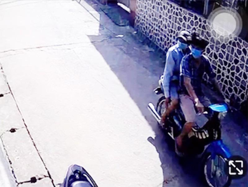 Camera ghi hình kẻ trộm bắt chó cảnh giá 10 triệu ở Thủ Đức - Ảnh 1.
