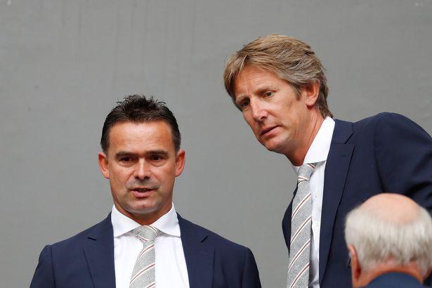 Overmars và Van der Sar đã giúp Ajax thăng tiến mạnh mẽ trong vài năm qua.