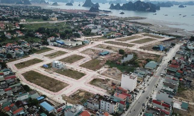 Quảng Ninh: Tạm dừng chuyển nhượng đất đai tại nhiều nơi ở Hạ Long - Ảnh 2.