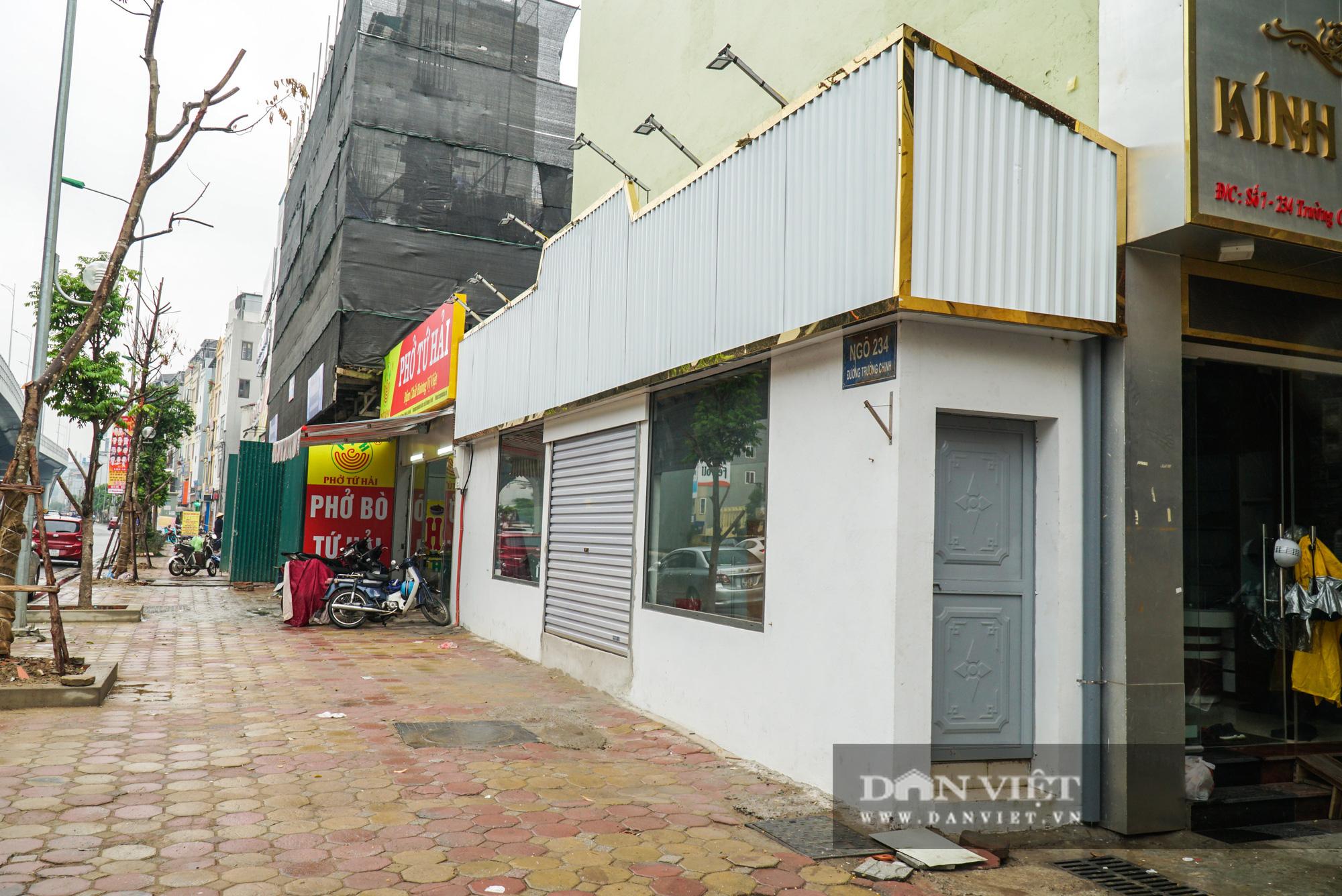 Kỳ lạ 2 ngôi nhà mặt đường siêu mỏng trên đường Trường Chinh - Ảnh 4.