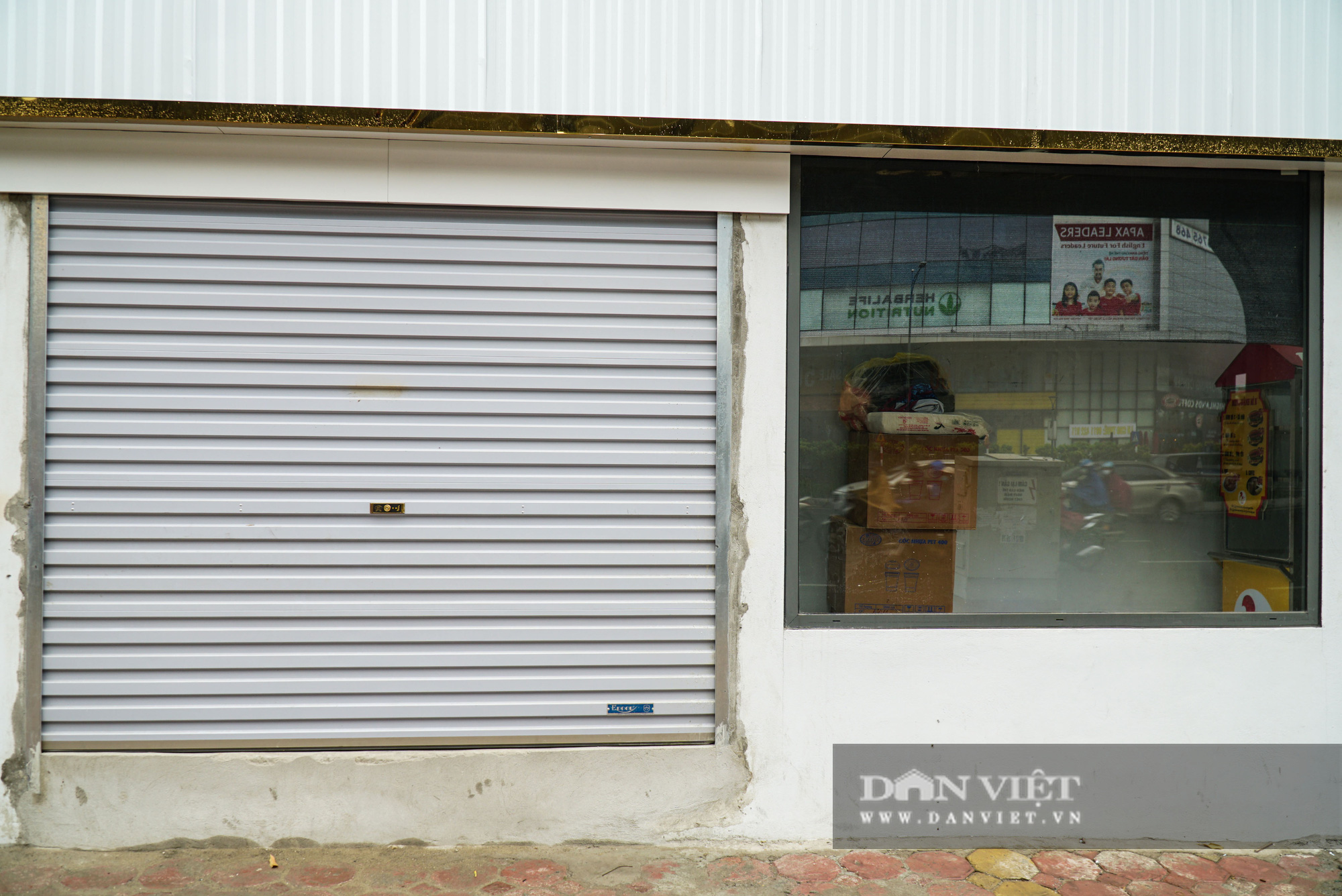 Kỳ lạ 2 ngôi nhà mặt đường siêu mỏng trên đường Trường Chinh - Ảnh 6.