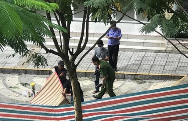 Vụ nữ luật sư rơi từ tầng 18 chung cư: Người phụ nữ xuất hiện trước khi nạn nhân tử vong - Ảnh 1.