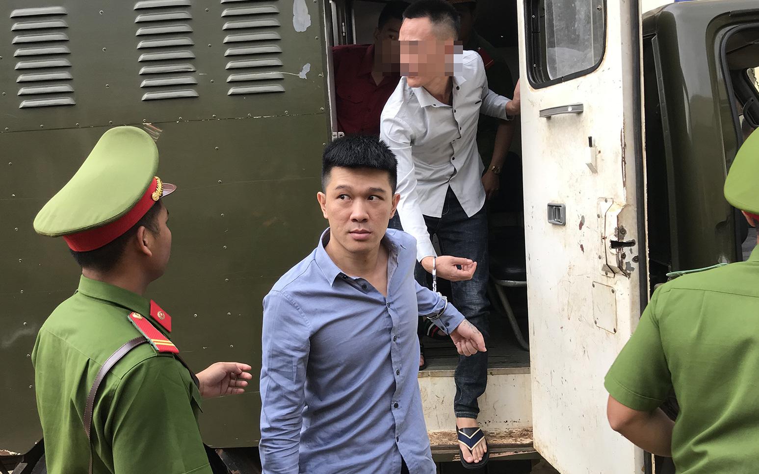"""Gia Lai: Xét xử ông trùm Hùng Si Đa và 105 bị cáo vụ bắt sới bạc """"khủng"""""""