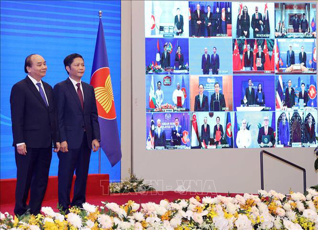 Lợi ích và thách thức từ RCEP với Việt Nam - Ảnh 1.
