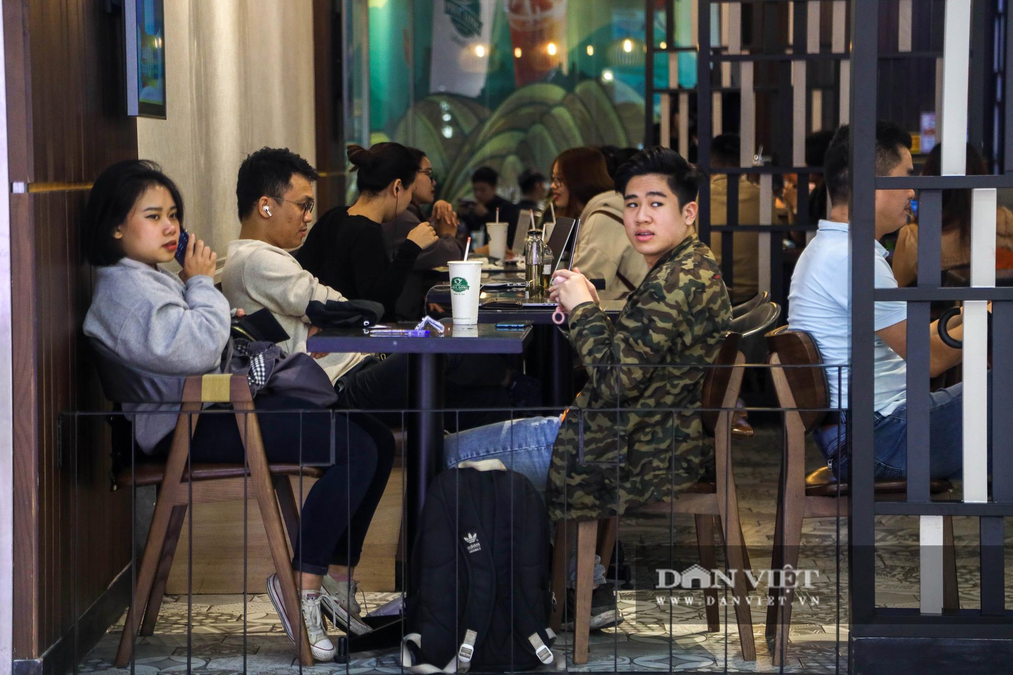"""Hà Nội: Tăng mức phạt gấp 10 lần, người dân vẫn """"quên"""" khẩu trang - Ảnh 4."""
