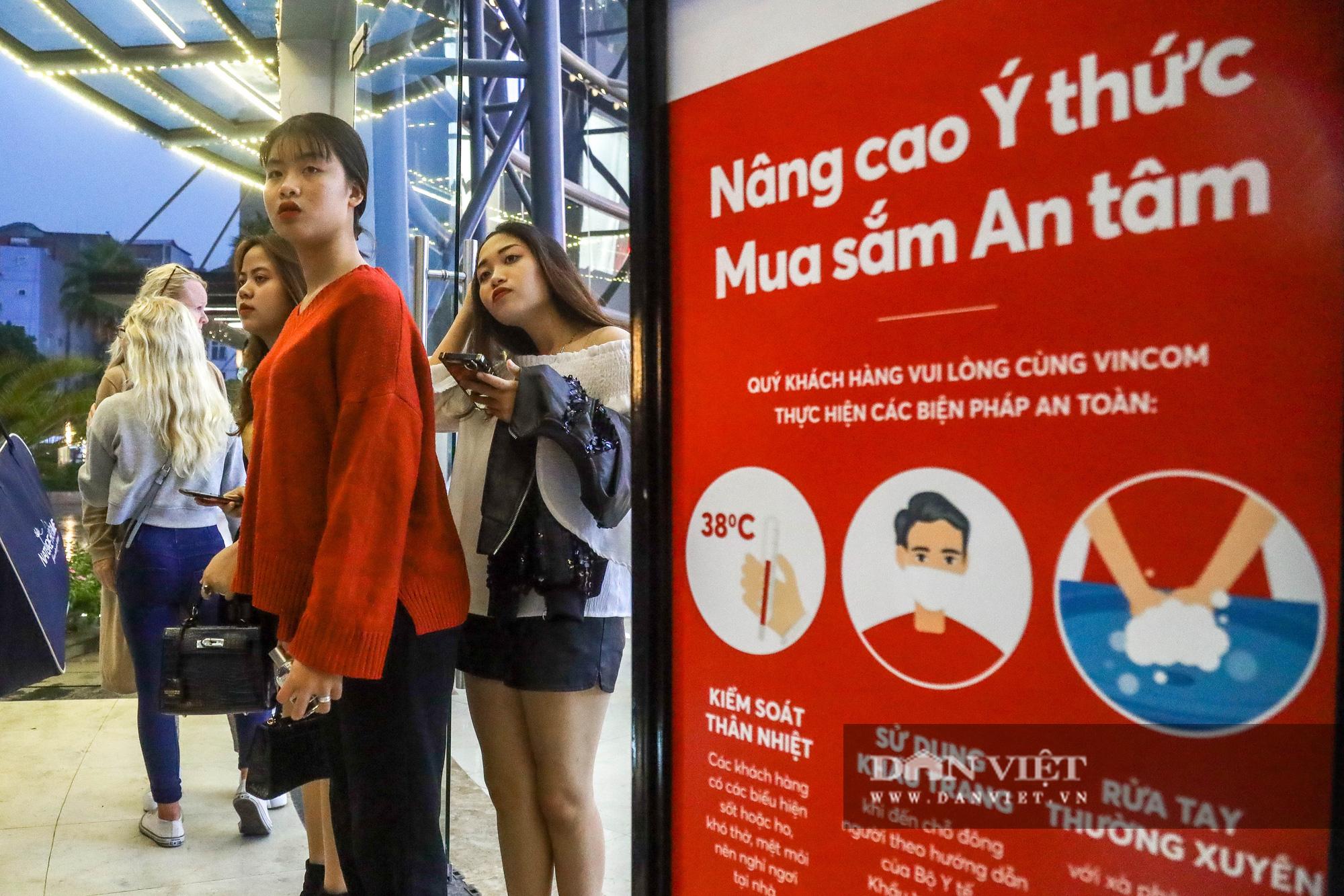 """Hà Nội: Tăng mức phạt gấp 10 lần, người dân vẫn """"quên"""" khẩu trang - Ảnh 6."""