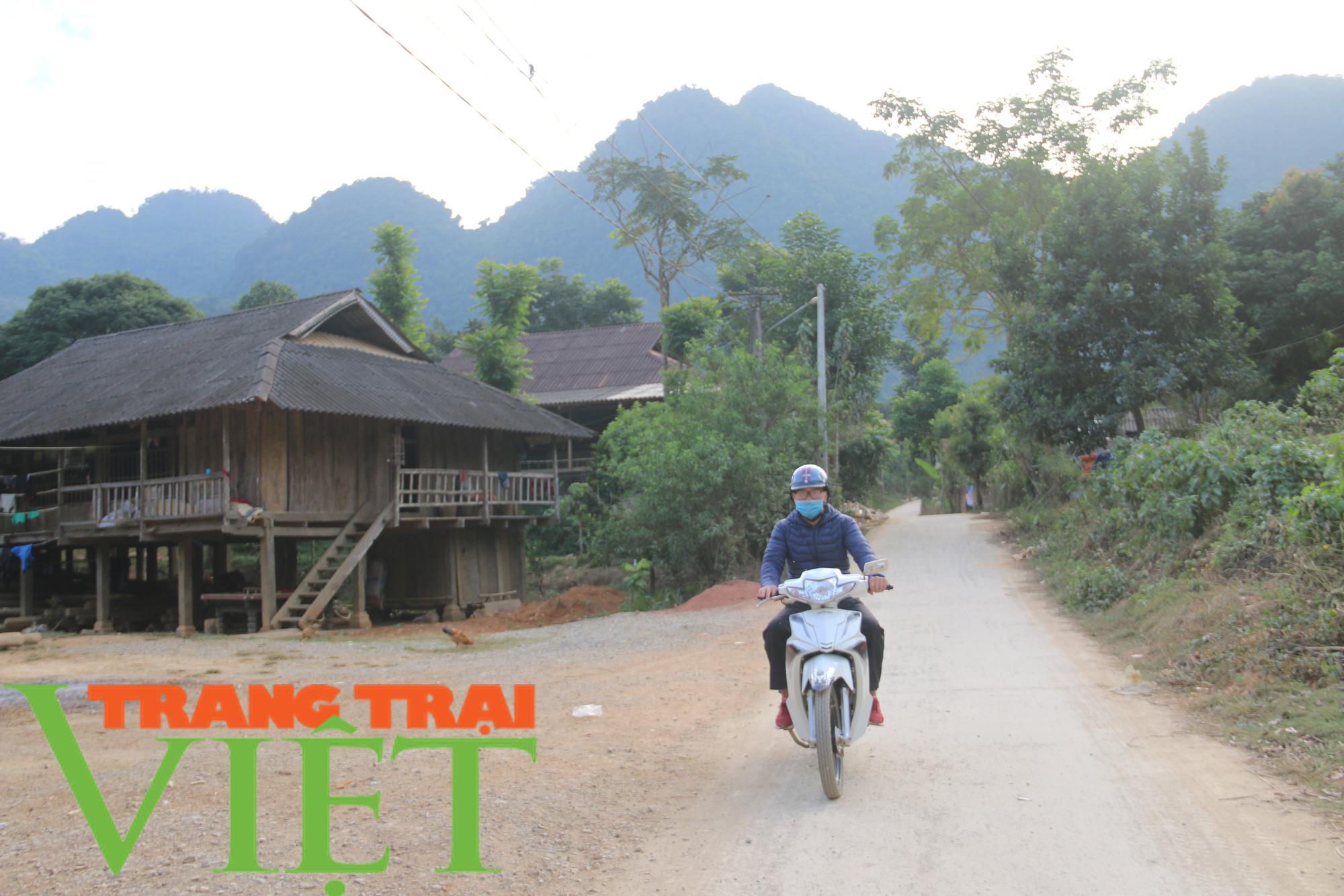 Quỳnh Nhai: Niềm vui trên những con đường nông thôn mới - Ảnh 5.