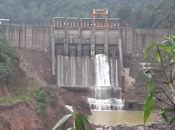 TT-Huế: Lập biên bản thủy điện tích nước không phép sau chỉ đạo của Chủ tịch tỉnh  - Ảnh 1.