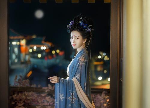 Đệ nhất hoàng hậu Trung Hoa cổ đại mệnh danh người đàn bà thép, phò tá 3 triều đại, nâng đỡ 6 hoàng đế - Ảnh 1.