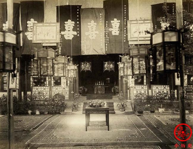 Loạt ảnh cũ cuối thời nhà Thanh: Lễ thành hôn trang trí hoành tráng, một phần Vạn Lý Trường Thành hùng vĩ giữa không trung - Ảnh 5.