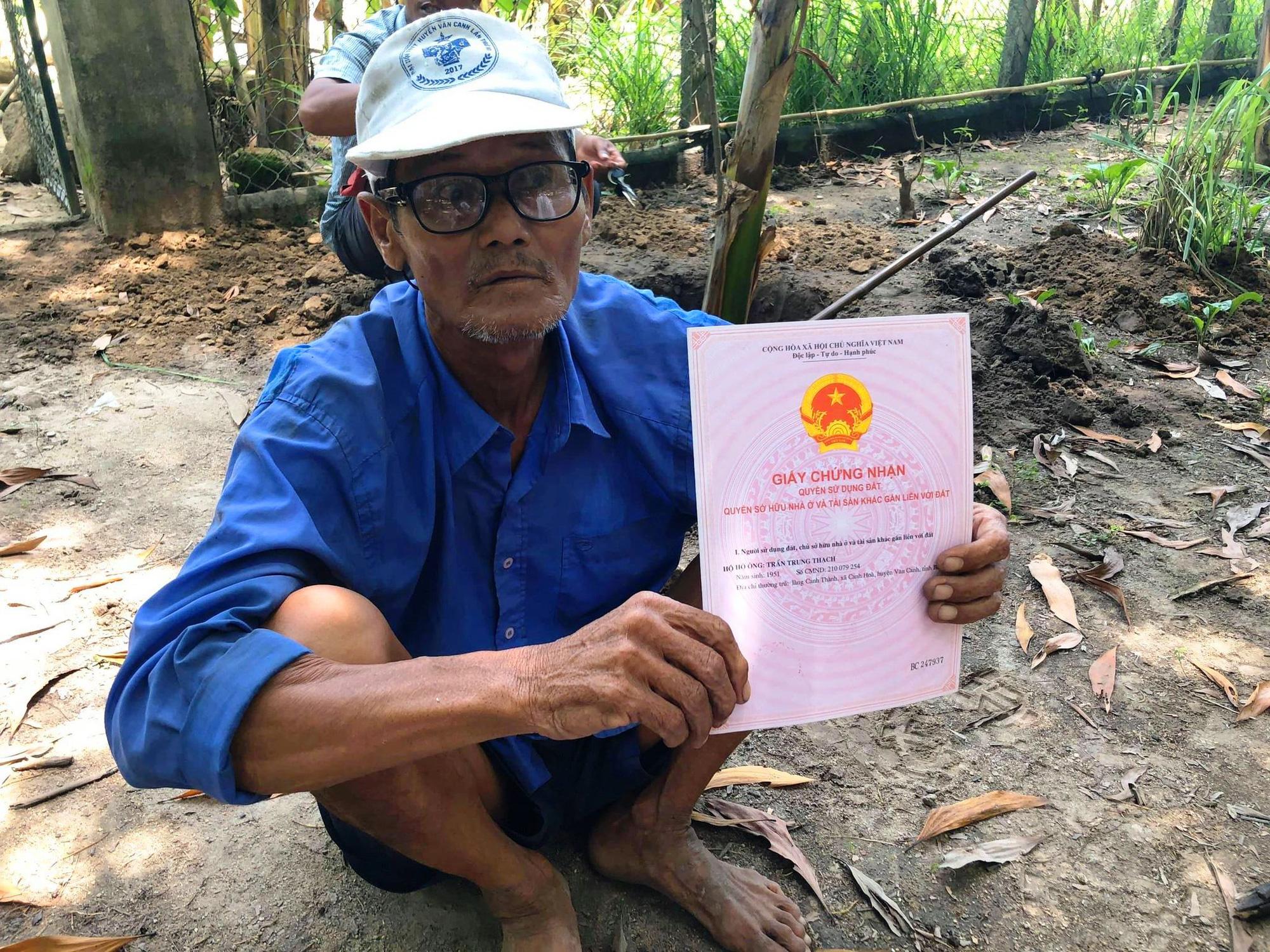 """""""Chuyện lạ"""" ở Bình Định: Huyện cấp 90 sổ đỏ cho dân, xã đề nghị hủy 89 sổ - Ảnh 1."""