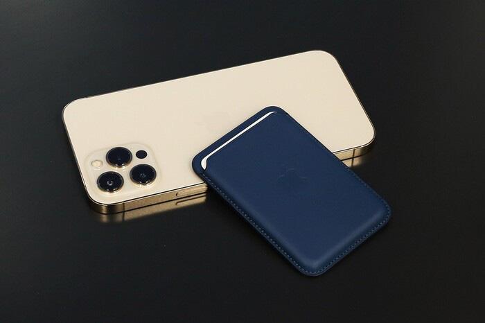 """iPhone 12 Pro Max xách tay về Việt Nam, dân buôn """"toang"""" sau 3 ngày - Ảnh 2."""