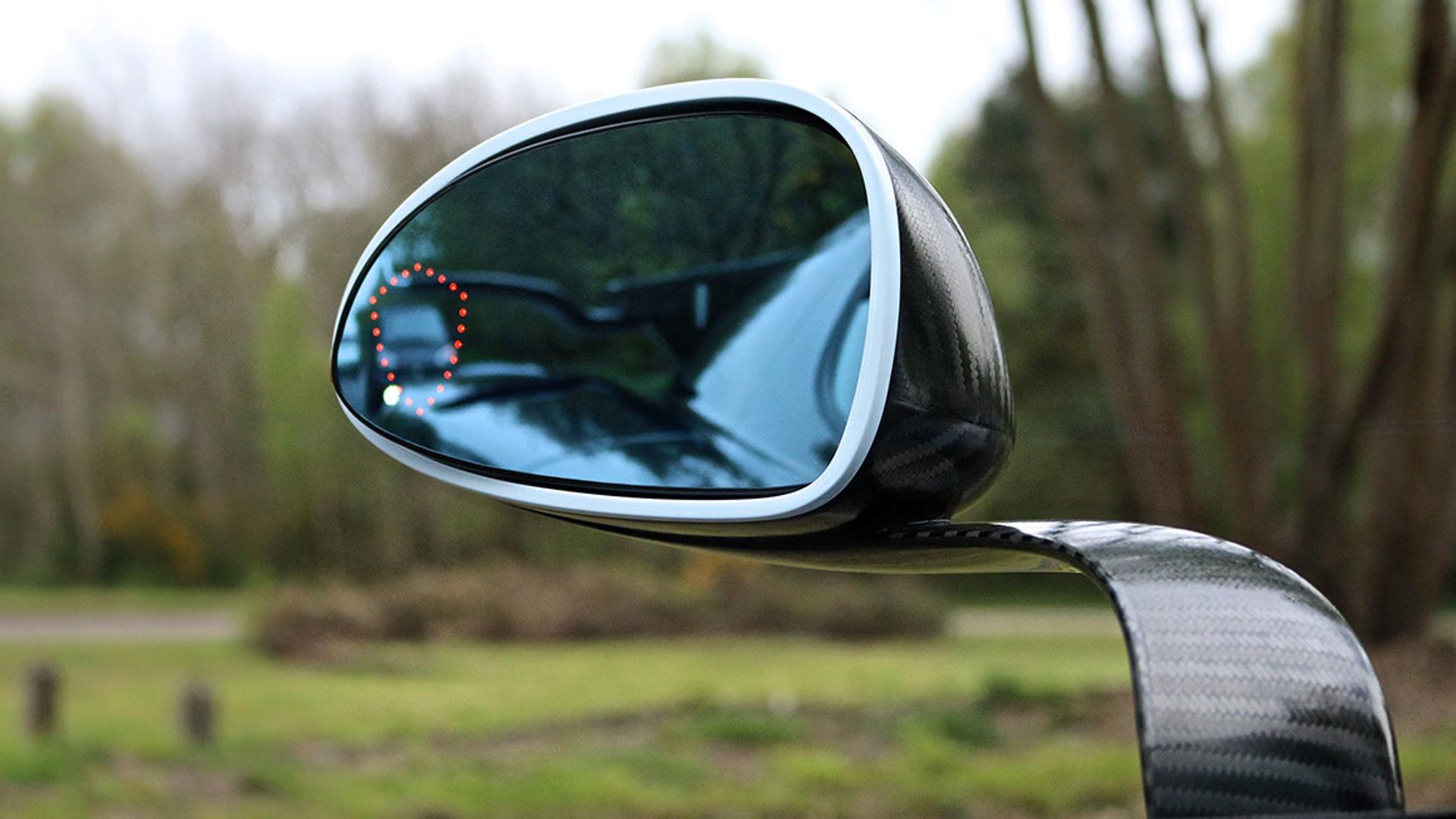 Cận cảnh siêu xe cũ rao bán giá hơn trăm tỷ đồng - Ảnh 14.