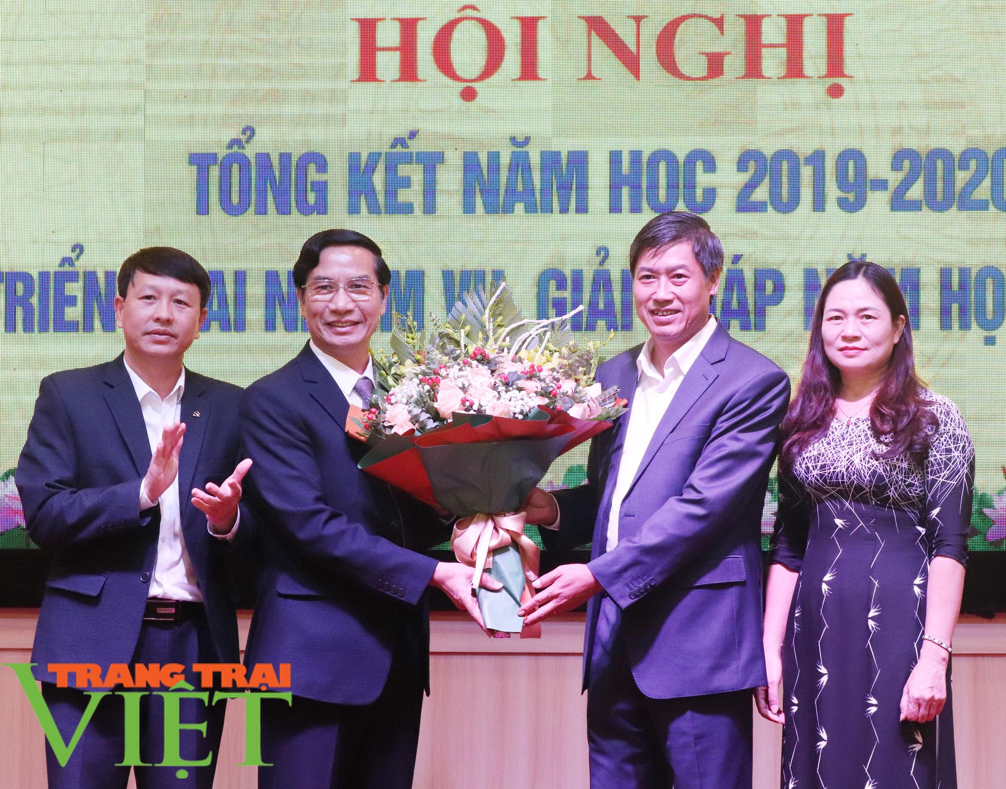 Xây dựng tỉnh Sơn La thành trung tâm giáo dục đào tạo của vùng Tây Bắc - Ảnh 4.