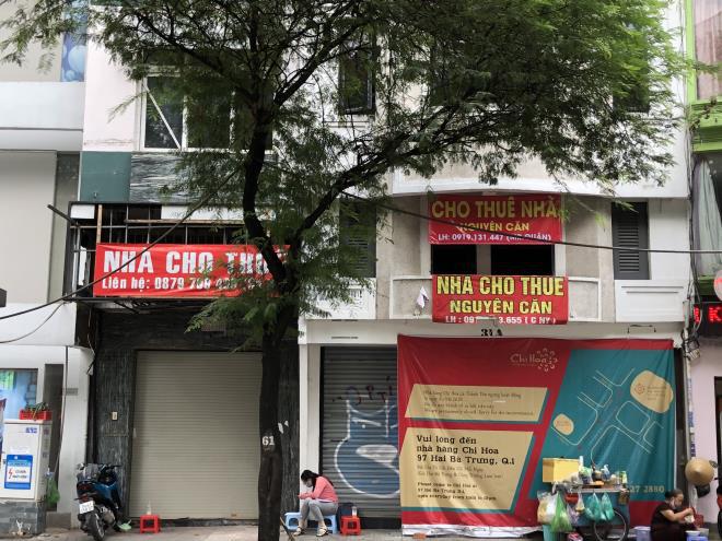 Mặt bằng bán lẻ hậu COVID-19: Nhà phố thất thế, trung tâm thương mại lên ngôi - Ảnh 1.