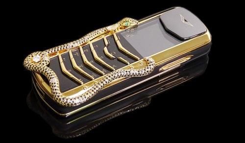 9 chiếc điện thoại Vertu đắt đỏ nhất thế giới, phủ vàng đá quý cả triệu đô la - Ảnh 1.