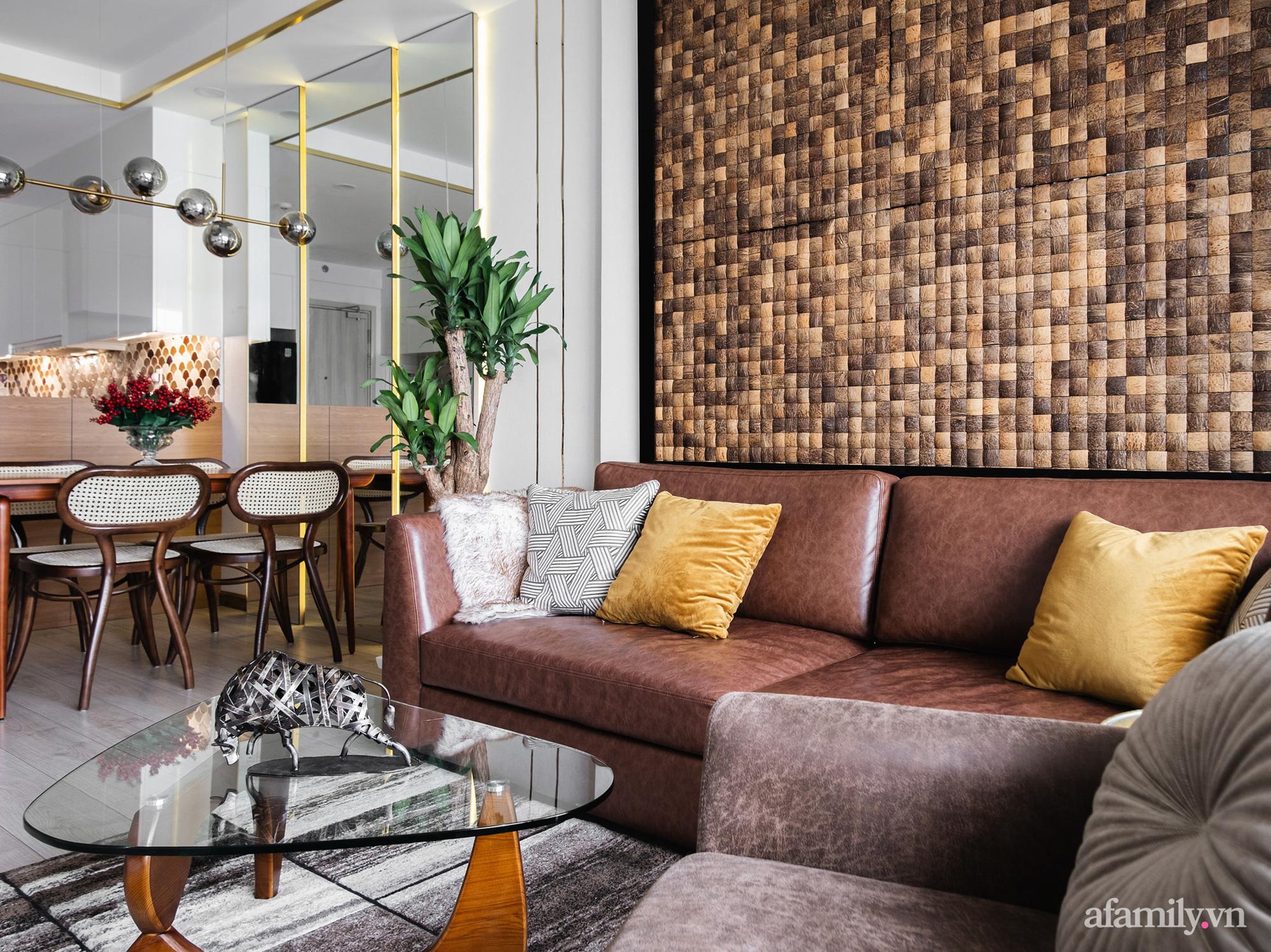 Căn hộ 70m² màu nâu trầm đẹp sang chảnh với chi phí hoàn thiện nội thất 400 triệu đồng ở Sài Gòn - Ảnh 3.