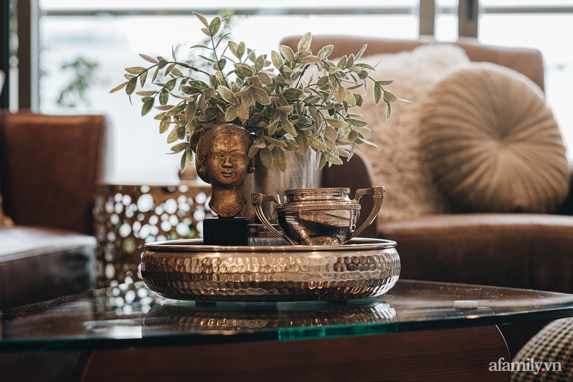 Căn hộ 70m² màu nâu trầm đẹp sang chảnh với chi phí hoàn thiện nội thất 400 triệu đồng ở Sài Gòn - Ảnh 8.