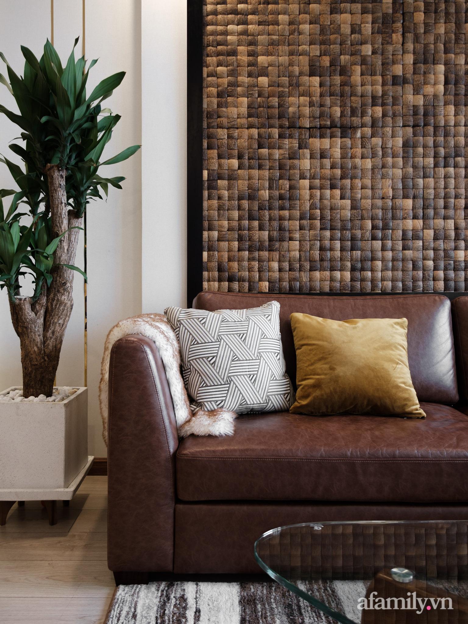Căn hộ 70m² màu nâu trầm đẹp sang chảnh với chi phí hoàn thiện nội thất 400 triệu đồng ở Sài Gòn - Ảnh 10.