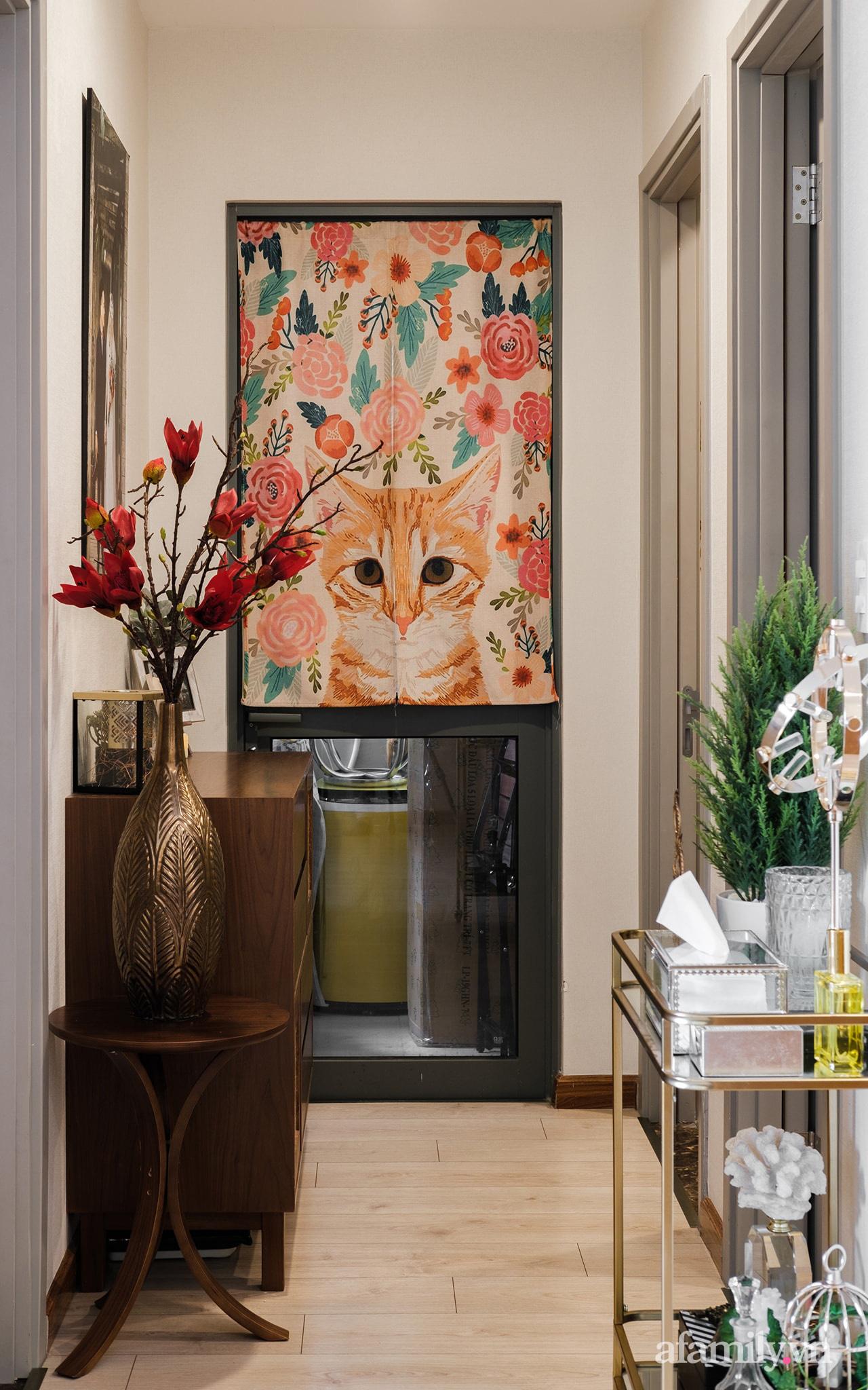 Căn hộ 70m² màu nâu trầm đẹp sang chảnh với chi phí hoàn thiện nội thất 400 triệu đồng ở Sài Gòn - Ảnh 15.