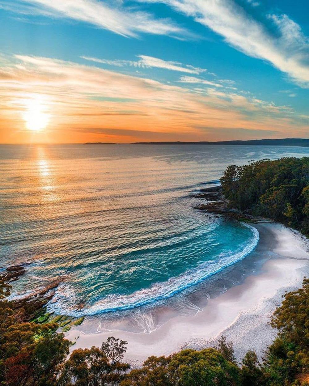 Ảnh: Tảo phát quang khiến bãi biển rực sáng vào ban đêm - Ảnh 2.