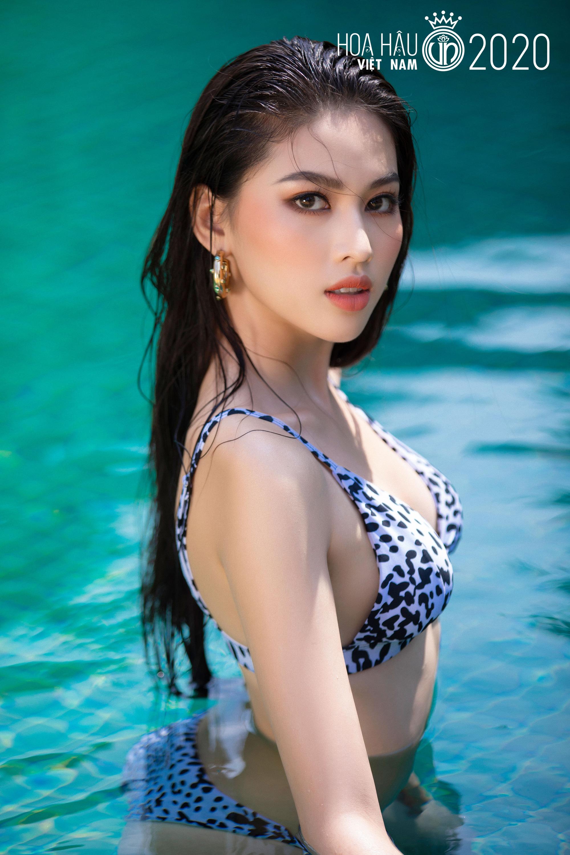 """5 mỹ nhân Hoa hậu Việt Nam 2020 mặc bikini quyến rũ """"đốt mắt"""" dự đoán """"soán ngôi"""" Trần Tiểu Vy là ai? - Ảnh 12."""