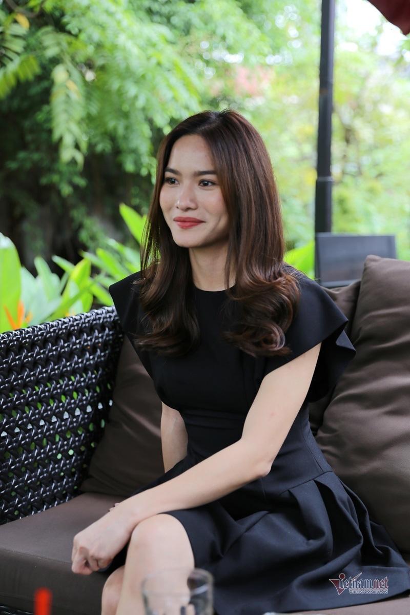 MC Mai Trang VTV: Nhiều người khuyên tôi lấy chồng giàu là xong - Ảnh 7.