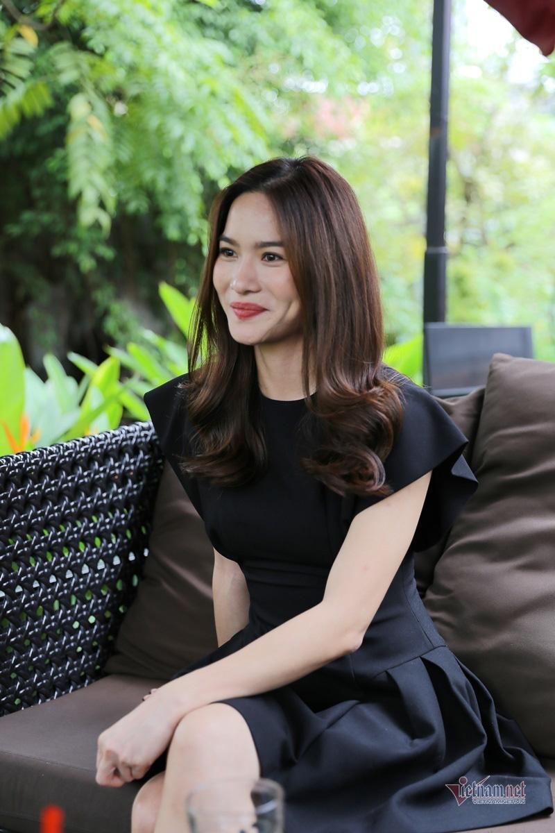MC Mai Trang VTV: Nhiều người khuyên tôi lấy chồng giàu là xong - Ảnh 8.