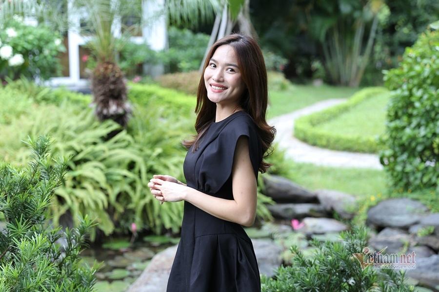MC Mai Trang VTV: Nhiều người khuyên tôi lấy chồng giàu là xong - Ảnh 2.