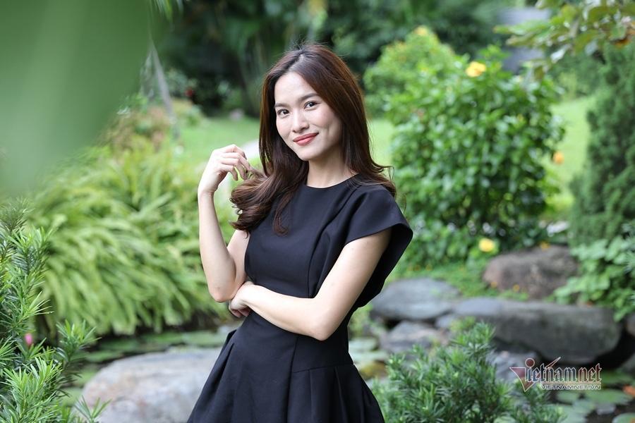 MC Mai Trang VTV: Nhiều người khuyên tôi lấy chồng giàu là xong - Ảnh 1.