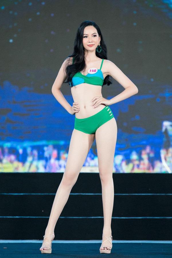 """5 mỹ nhân Hoa hậu Việt Nam 2020 mặc bikini quyến rũ """"đốt mắt"""" dự đoán """"soán ngôi"""" Trần Tiểu Vy là ai? - Ảnh 5."""