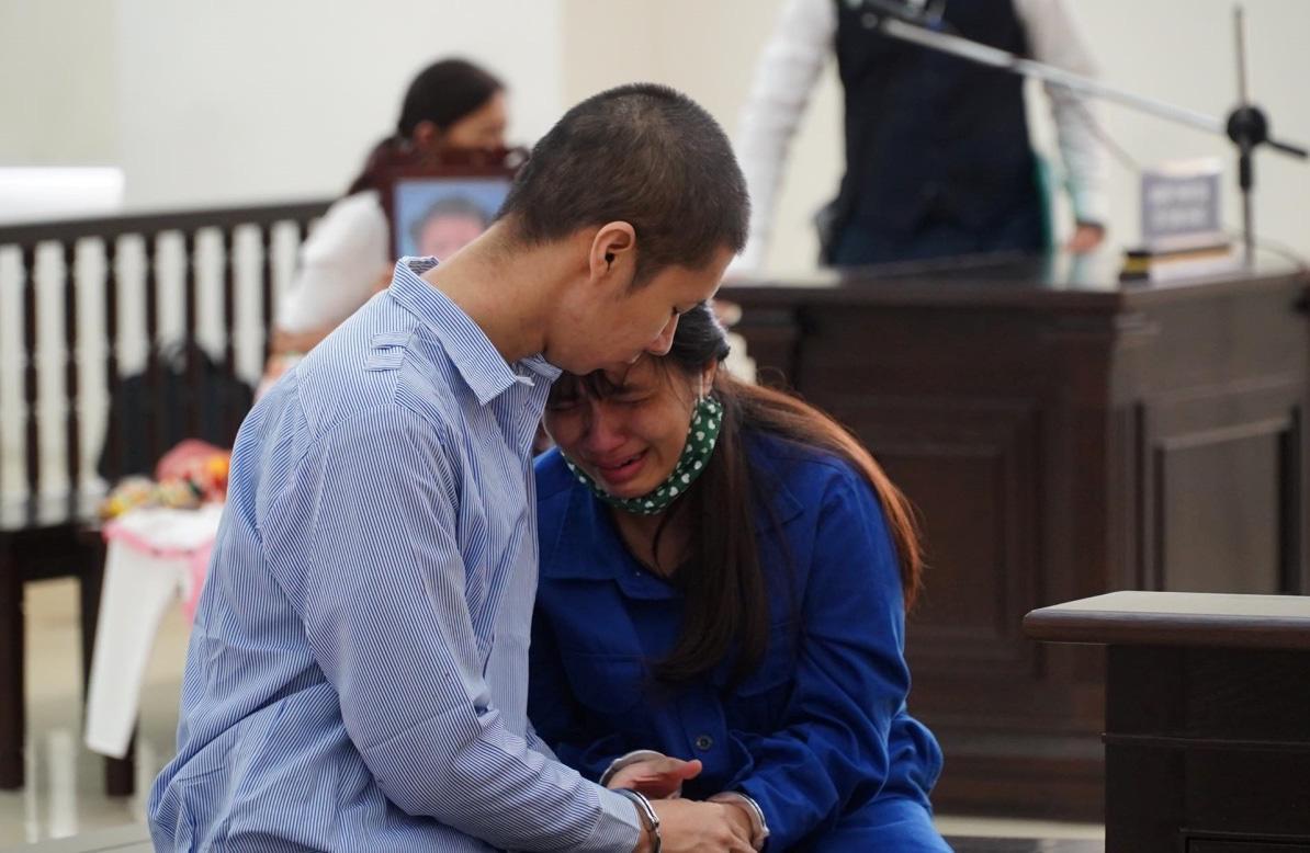 Chồng nhận án tử, vợ chung thân vụ bạo hành bé gái 3 tuổi tử vong - Ảnh 2.