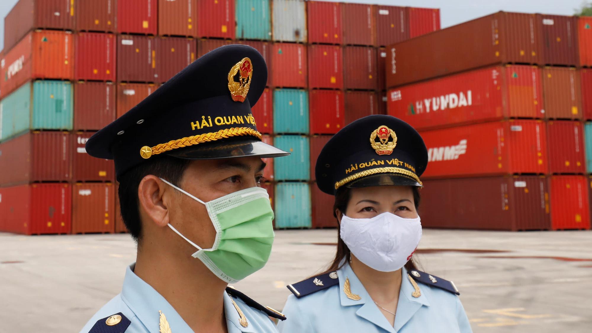 Kinh tế Việt Nam có thể tăng trưởng mạnh nhất châu Á năm 2021 - Ảnh 1.