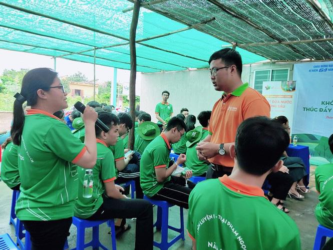 Có một không hai ở Việt Nam: Anh kỹ sư hot boy bắt cây dừa nước tiết ra mật - Ảnh 6.