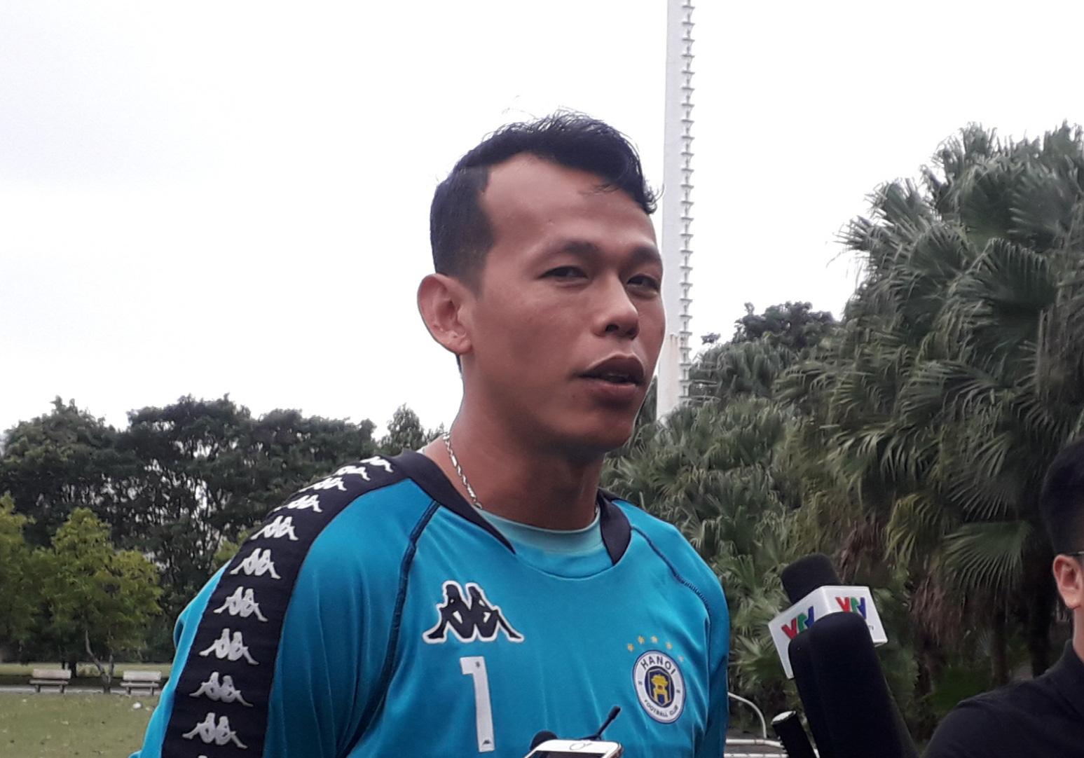 Thủ môn Tấn Trường cho rằng Tiến Linh là chân sút hay nhất Việt Nam lúc này. Ảnh: Tuệ Minh