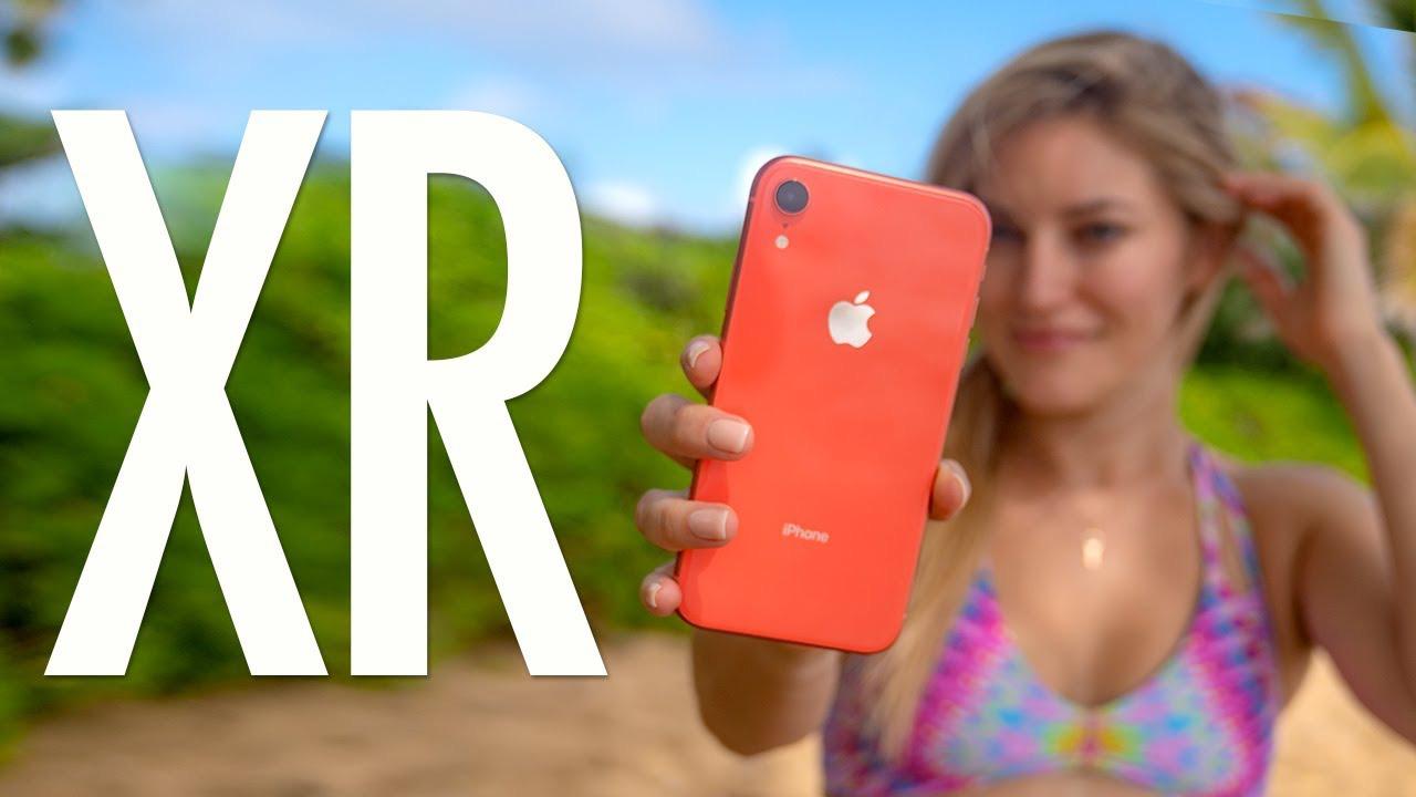 """Mức giá mới của iPhone XR chính hãng khiến người dùng """"móc hầu bao""""? - Ảnh 1."""