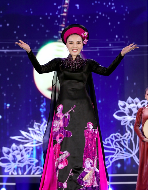 5 Hoa hậu mặc áo dài đọ sắc Chung kết Hoa hậu Việt Nam: Đặng Thu Thảo đẹp tựa nữ thần,  - Ảnh 6.